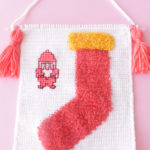 christmas fuzzy sock crochet wall hanging pattern-01